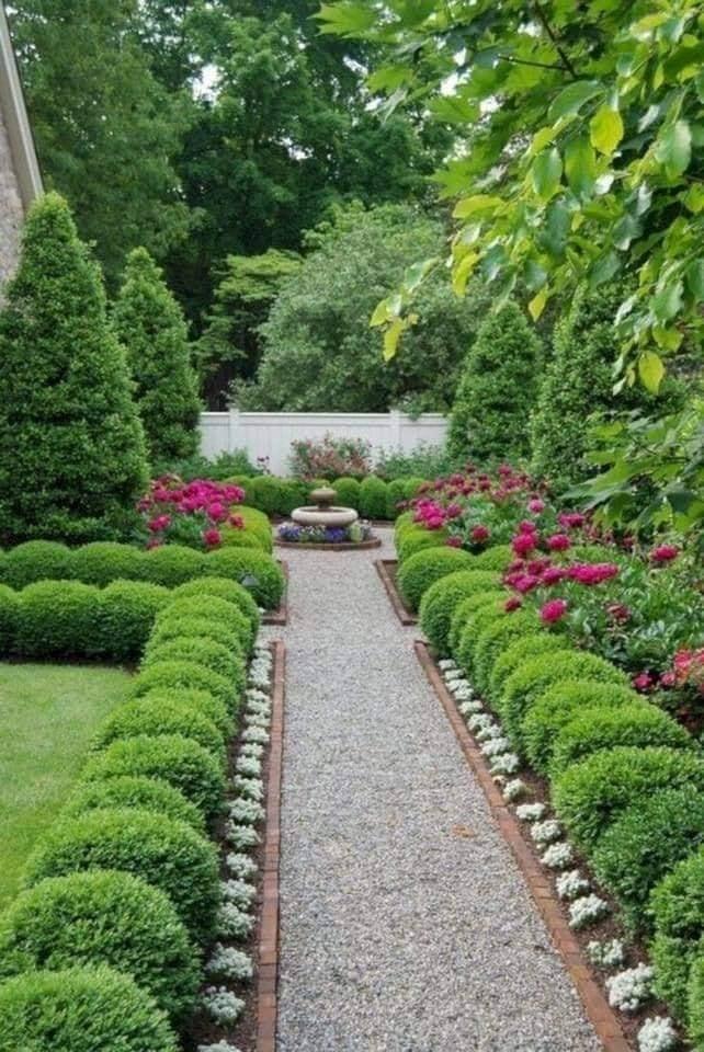 8 x Simple Garden Path Ideas
